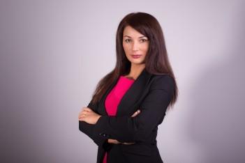 zdjęcie przedstawia Panią Izabelę Domogałę - Członka Zarządu Województwa Śląskiego