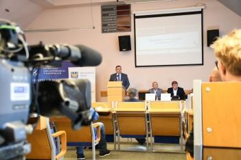 Wręczenie promes umów o dofinansowanie w siedzibie Regionalnej Izby Gospodarczej w Katowicach